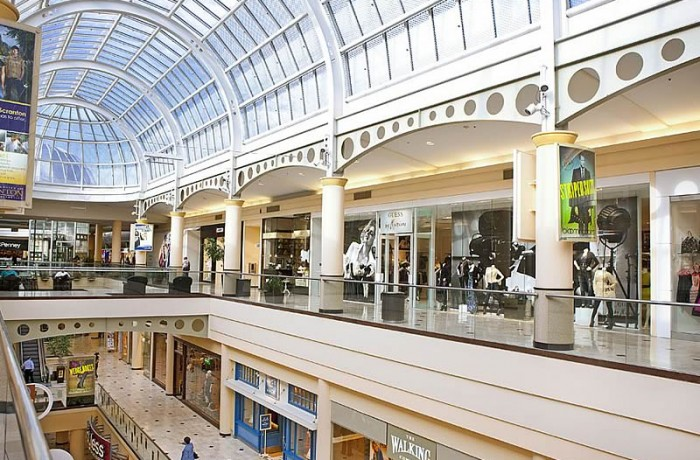 Roosevelt Field Mall, LI
